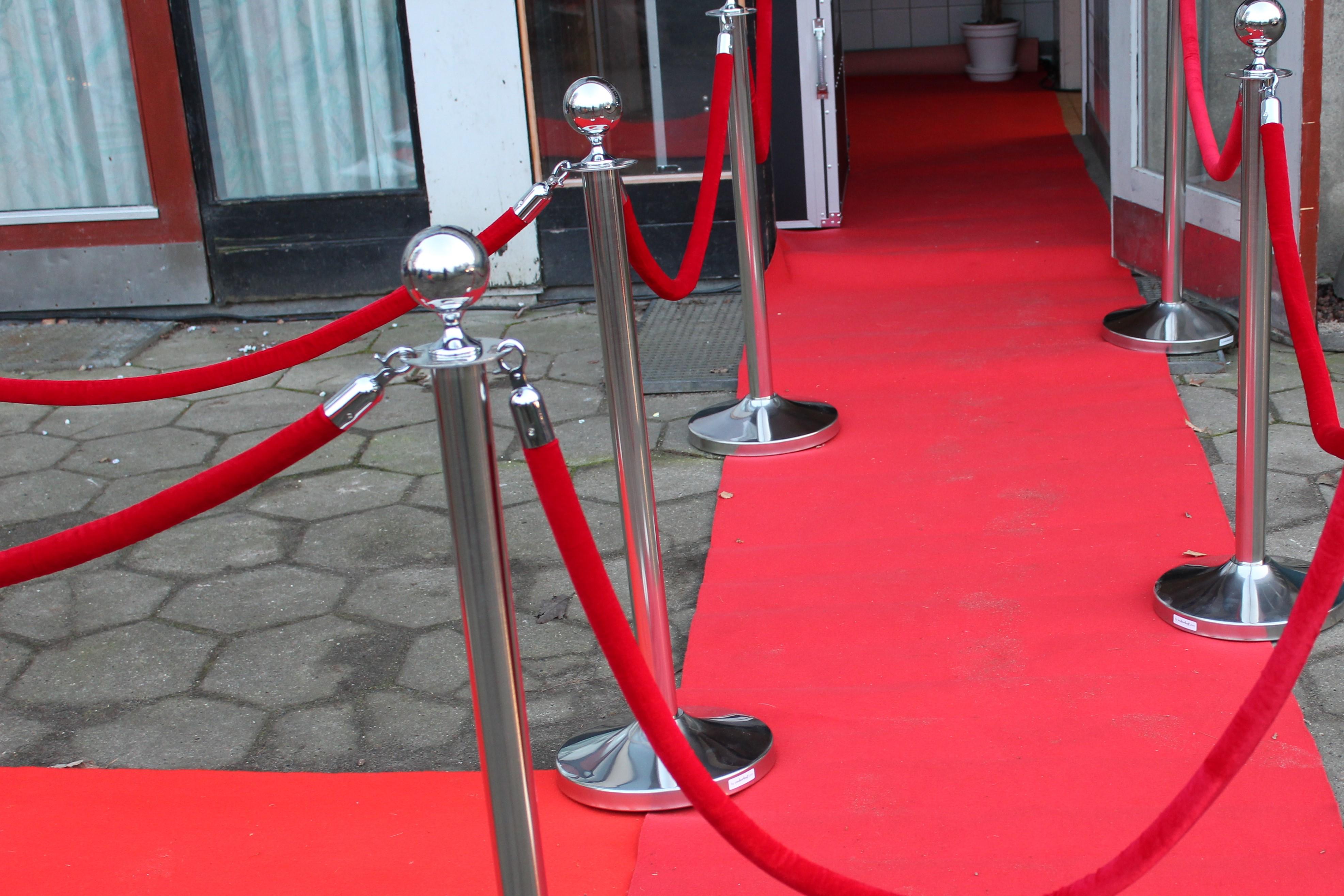 Rødt tov til VIP stander